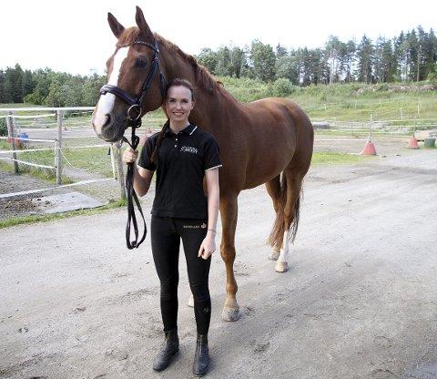 Har gjort det bra: Line Østli og hesten Roomy ble nylig nummer fem i et stort internasjonalt stevne i Danmark. I lag ble hun og Norge nummer tre. De vant også hallmesterskapet, et slags NM innendørs.