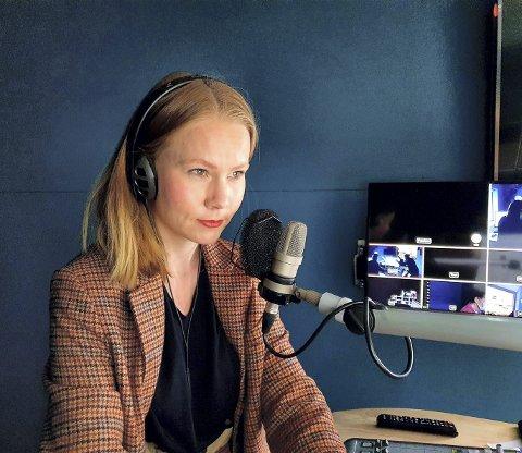 PÅ JOBB: Sophie Elisabeth Lorch-Falch (30) fra Elverum er nå fast ansatt som journalist ved NRKs redaksjon for økonomi og politikk. Hun stortrives i jobben sin.