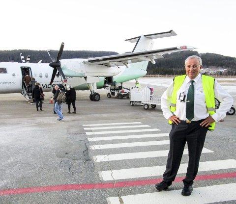 Siste tur til Røssvoll: – Dette er fra min siste landing på Røssvoll, 30. november 2014, sier Ulf Larsstuvold som har fulgt Mo i Rana lufthavn siden åpningen i 1968. Privat foto