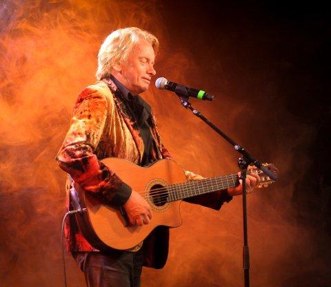 KOM, SÅ OG VANT: Jan Eggum holdt publikum i to timer under lørdagens konsert.