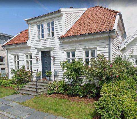 Det er dette huset far og sønn Stangeland har kjøpt.