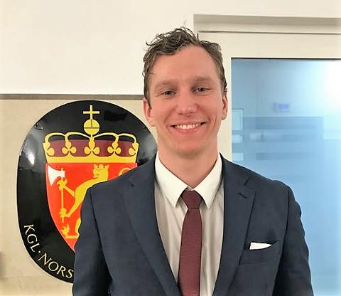 TRAVELT: Fredrik Aas kan rapportere om en bratt læringskurve på mange fronter ved den norske ambassaden i Bucuresti.