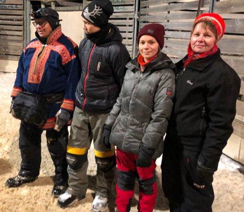 Satser sammen: Familien Oskal holder til i Lønsdal og livnærer seg av egne reinsdyr og deres kultur. Her er Per Ole Oskal sammen med sønnen Ante Biete Oskal (16), datteren Elin Kristina Oskal (22) og kona Nina Oskal under sesongens første reinsamling.
