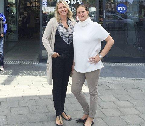 VIL BIDRA: Linda-Mari Ringen Olsen (t.v.) og Mia Hjørnegård Foyn på Tista Senter har tatt initiativ til en innsamlingsaksjon for å støtte flyktninger.Foto: PRIVAT