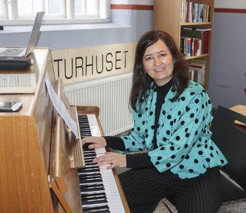 VIRTUOS: Annabel Guaita ga lytterne mersmak på klassisk musikk.foto: Svein Knutsen