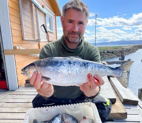 NYE TENDENSER: Daglig leder i Naturtjenester i Nord, Rune Muladal, følger nøye med på pukkellaksinvasjonen i Troms og Finnmark. Han opplyser at det fortsatt er pukkellaks i havet.