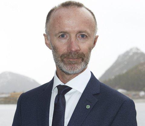 Helhetlig plan: Fylkesråd for samferdsel, Svein Eggesvik (Sp), ser ikke for seg at enkeltruter, som hurtigbåt til Lofoten, tas ut av planen.
