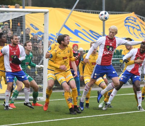 KJEMPET: KFUM/Oslo og John Olav Norheim skal ha for at de kjempet bra, men heller ikke denne gangen var det nok, og Jerv vant 1-0. Alle Foto: Solfrid Therese Nordbakk
