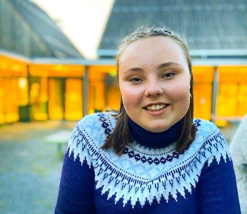 KONSTANSE MARIE ALVÆR (18): Fylkesleder i AUF Vestfold og Telemark sier at terrorangrepet på Utøya for ti år siden ikke har ført til færre aktive medlemmer i AUF i dag.