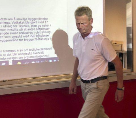 Støttet naboene: Knut B. Aall mener naboene har rett i at bryggeanlegget i Sagesund kun kan være på 150 plasser. Han mener ut fra dette at vedtaket politikerne fattet i juni er ulovlig.