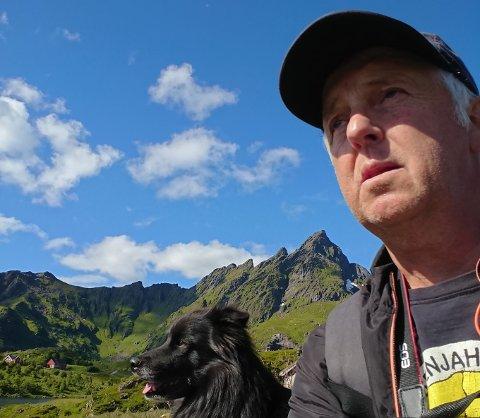 John Inge Berg ville gått i demonstrasjonstog for å bevare lokalsykehuset og mot oljeboring utenfor Lofoten.