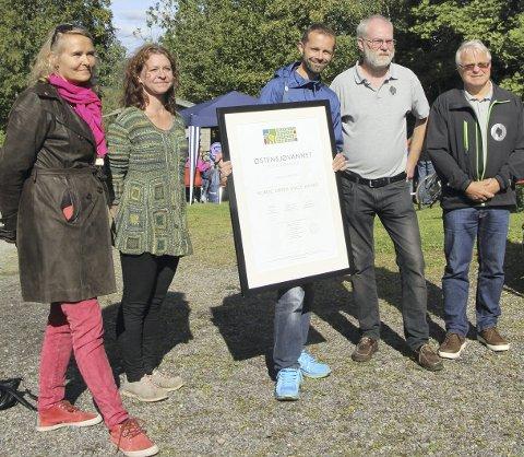 TIL STEDE: Fra venstre: Kristin Sandaker, Maria Fall, Hallstein Bjercke, Amund Kveim og Finn Arnt Gulbrandsen. PRESSEFOTOØSTENSJØVANNETS VENNER