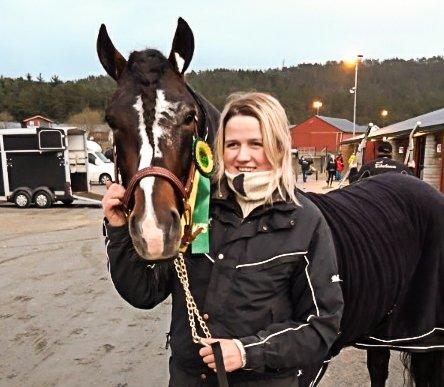 Gomnes Hans T. sammen med oppaseren Ane Hammersborg.