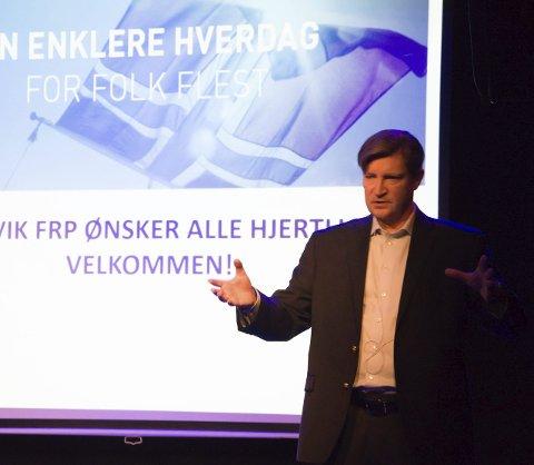 Foredrag: Stortingspolitiker Christian Tybring-Gjedde er opptatt av islam og hvordan religionen påvirker norske forhold. Det ga han uttrykk for på Sanden scene mandag. Foto: Elisabeth Løsnæs