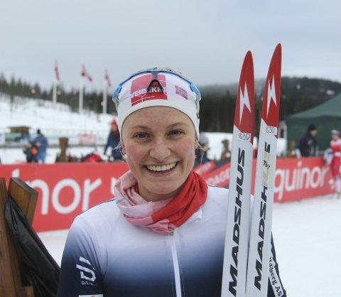 DYKTIGERE OG DYKTIGERE: Under norgescuprennene og U23-NM på Lygna viste Johanne Hauge Harviken fra Strandbyga igjen at denne vinteren er nivået langt høyere enn tidligere. FOTO: ERIK BORG