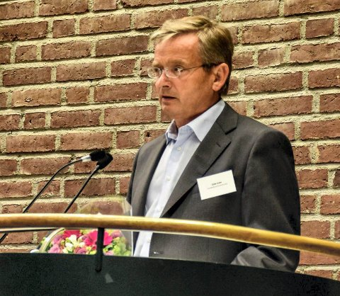 HAR SAGT OPP: Gisle Dahn slutter i kommunen. Her er han på talerstolen i bystyresalen under et politisk møte i tidligere Sandefjord kommune.