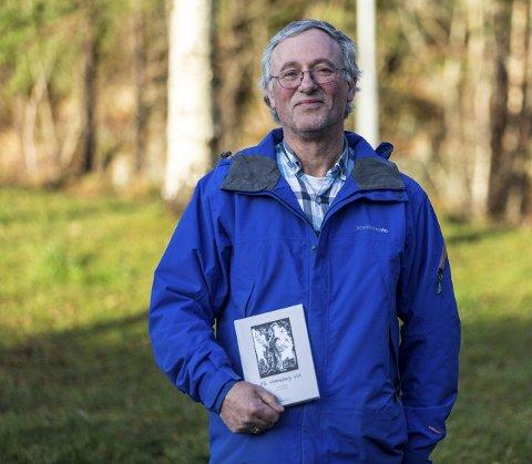 BOK nr. 3: På halvanna år har Jonny Skjelvik gitt ut tre bøker, ei barnebok og to bøker med historier på rim i verseform. Debutboka «Å du hendelse! Mykje meir enn berre rim!» er i tillegg komme som lydbok.FOTO: Morten Sæle