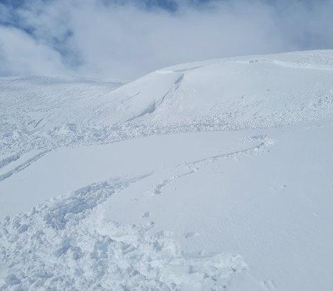 Slik så det ut i skredområdet i Myrkdalen lørdag ettermiddag.