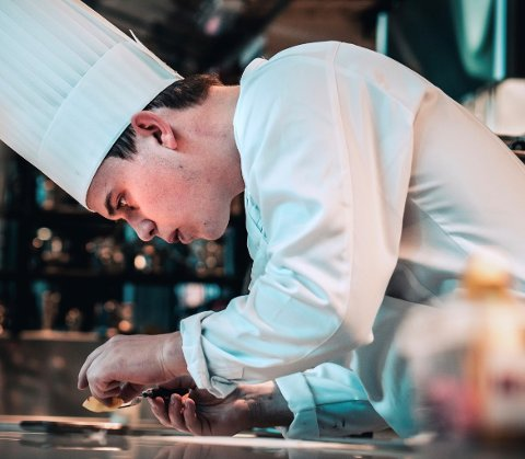 KOKK: Aron Espeland fra Bryne skal være med i kokke-OL i Stuttgart i Tyskland.
