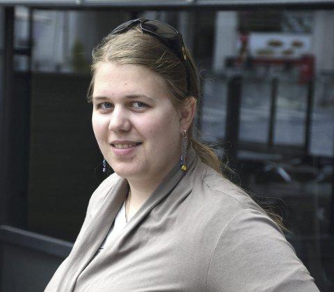 STERKT BUDSKAP:  Maike Julia Lybæk Geldbach  gjorde et stort inntrykk på kommunestyret da hun fortalte om at hun selv ble utsatt for mobbing i årevis.