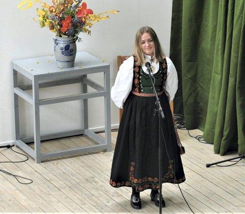 KVEDING: Malin Røysland Skårberg skal synge på årets Gaustadag. Her da hun vant to klasser på fylkeskappleiken i 2019. (Foto: Torfinn Skåttet).