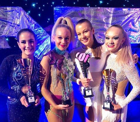 GODE: Sara Muzaqi, Francine Felicia Fredheim, Hedda Elise Berthelsen og Mathea-Fabienne Aslaksen fra Evolution Sarpsborg Danseklubb leverte gode prestasjoner i Dancer of the Year.