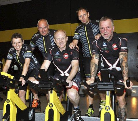 MÅ TRENE: Team Rynkeby-gjengen har forpliktet seg til mye sykkeltrening også før de skal avslutte innsatsen med å sykle de 1.500 kilometerne fra Oslo til Paris til sommeren.