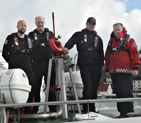 Klare for oppdrag: Michael Bue, Sigmund Kaplanski, Terje Bøe og Jan Owe Knutsen er klare til å rykke ut dersom noe skulle skje på sjøen i påsken.