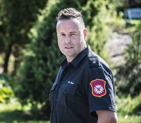 KLAR: Til daglig jobber Per Eivind Pettersen på Fredrikstad brannstasjon, men er også klar for å rykke ut til katastrofeområder, slik han gjorde til Filipinene i 2014.FOTO: Geir A. Carlsson