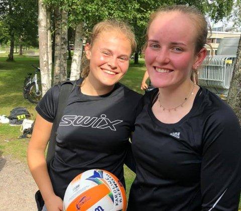 Marte Lauvås (19) og Karoline Bjerkreim (20) fra Ålgård spilte bedre enn noen gang tidligere da de kom helt til semifinalen i norgestour i sandvolleyball i helga.
