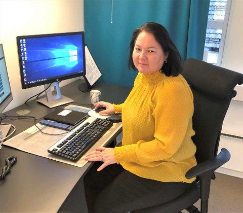 HAR SMITTE BLANT ANSATTE: Kommunalsjef for helse og omsorgtjenesten, Stina Løkke, opplyser at 23 ansatte er smittet med covid-19.