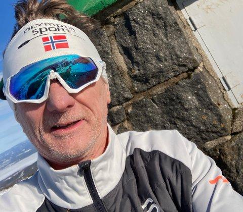 FØR FALLET: Torsdag tok Kjell-Arne Smith Johansen turen til Styggmann. På vei ned igjen ramlet han og slo seg så hardt at han måtte ringe etter hjelp.