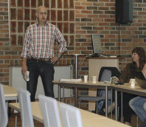 Debatt: Gunnar Skoglund, leder i Idrettsrådet i Vestvågøy, ønsker velkommen til idrettspolitisk debatt.