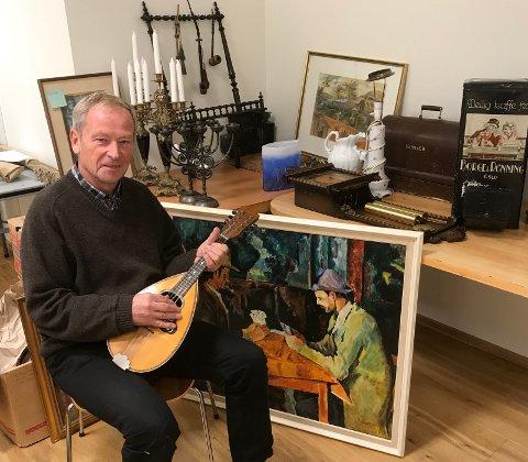 ORGELMARKED: - Vi har fått inn mange fine og artige gjenstander til markedet vårt, sier Trond Nystedt i orgelkomiteen. Foto: Privat