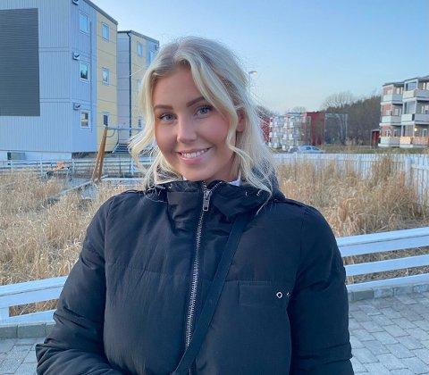 Sjokkbeskjed: Ingrid Sofie Olaussen (22) fikk i mars en beskjed hun hadde håpet å unnslippe: – Da jeg fikk telefonen var det et slag i trynet, og jeg tenkte at nå kommer jeg til å bli skikkelig syk og dårlig, sier 22-åringen.