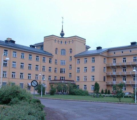 SAMLES HER? Eier av Glittreklinikken i Nittedal, Øystein Tvenge, foreslår å samle inntil 340 koronasyke i de gamle lokalene til LHL.