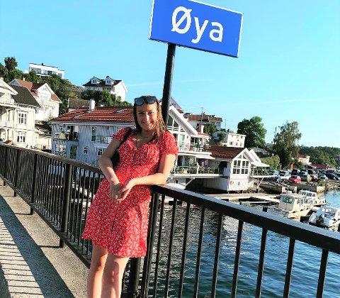 SOMMERFERIE: Hver enste sommerferie drar Frida til Øya i Kragerø hvor hun koser seg med familie og venner.