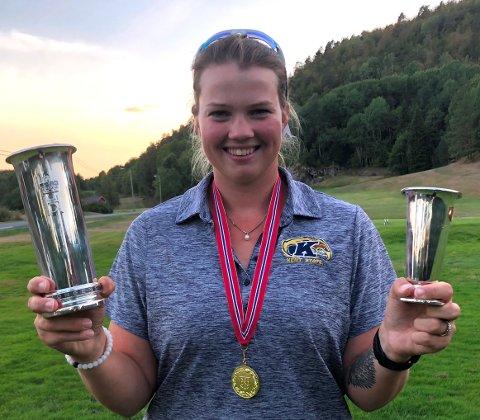 Kongepokalen Karoline Stormo sikret seg får luftet seg litt på Arendal og omegn golfklubb hvor Karoline har lagt mye av grunnlaget for sin golfkarriere.