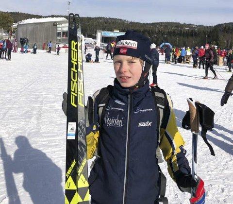 God prestasjon: Vemund Myhre imponerte i UngdomsBirken ved Lillehammer sist helg. Han valgte å gå på «blanke» ski, og staket fra alle andre i sin klasse. Privat foto