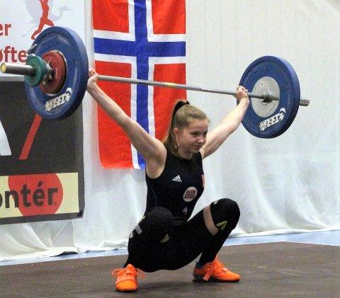 Laurdag 13. mars kvalifiserte Sandra frå Ostereidet til verdsmeisterskapen i vektløfting.