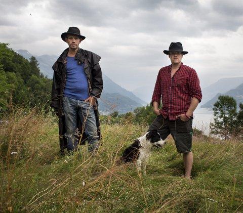 Fjorden Cowboys med Joar Førde og Leif Einar Lothe. De er snart klare for sin sjuende sesong på skjermen.