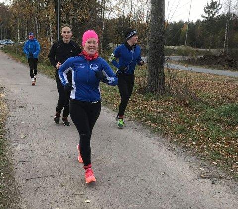 EN FIGHTER: Unni Dahl Ottesen fra Hof kjempet mot smertene og kom seg gjennom 12 runder á 6,7 kilometer i Sandefjord i helgen.