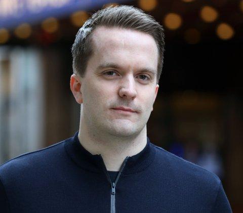 SIKRA PRISANE: Økonomisjef i Kvinnherad kommune, Niels Jacob Erlingsson, fortel at kommunen ikkje ligg an til å tena veldig mykje ekstra som følge av dei skyhøge straumprisane, fordi politikarane har valt å sikra prisane.
