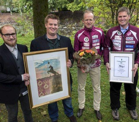 Tok imot: Markus Brovold, Anders Hagebakken, Arnfinn Pedersen og leder Espen Torseth i Gjø-Vard Orienteringslag tok imot prisen søndag. Foto: Asbjørn Risbakken