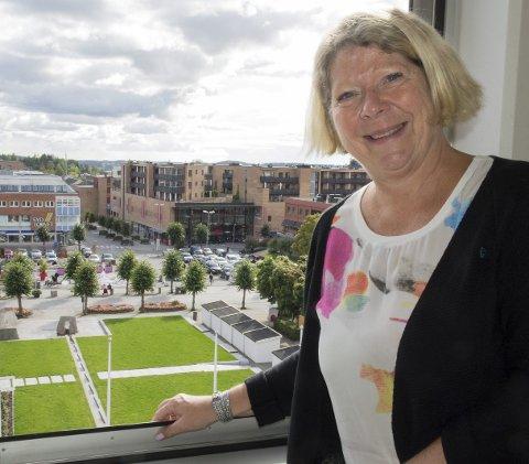 Sjefsutsikt: Jane Short Aurlien har flott utsikt fra kontoret. Den kan bli endret etter oppussingen.