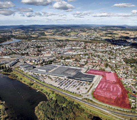 SETT FRA RÆLINGEN: Det aktuelle området er her avmerket med rødt.