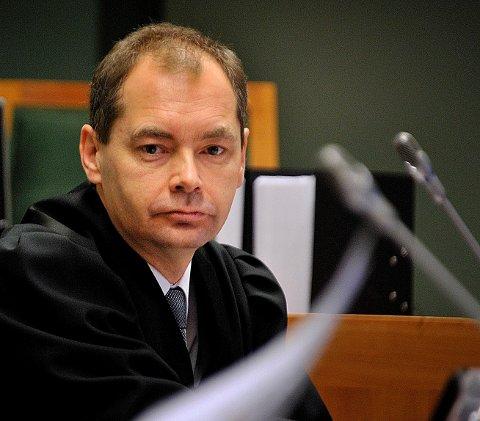 Politiadvokat Jahn Schei i Øst politidistrikt er aktor under rettssaken mot de tre forretningsmennene som er tiltalt for å ha tappet bemanningsselskapet de drev i Sarpsborg for nærmere 7,3 millioner kroner.