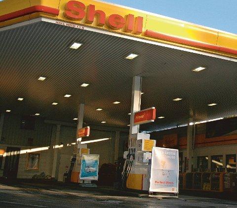 En ansatt ved Shell i Amtmannsvingen har testet positivt på korona. Arkivfoto