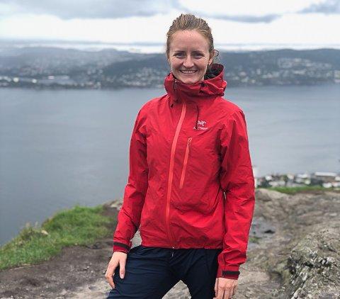 Tone Marit Håland Dyrkolbotn har sidan august 2017 vore sokneprest i Masfjorden. – Det blir trist å slutte, og eg kjem til å sakne deler av jobben, seier ho.