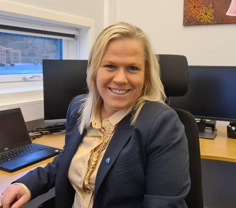 Trine Merete Jansen er ny kommunalsjef for oppvekst og kultur i Austrheim kommune.